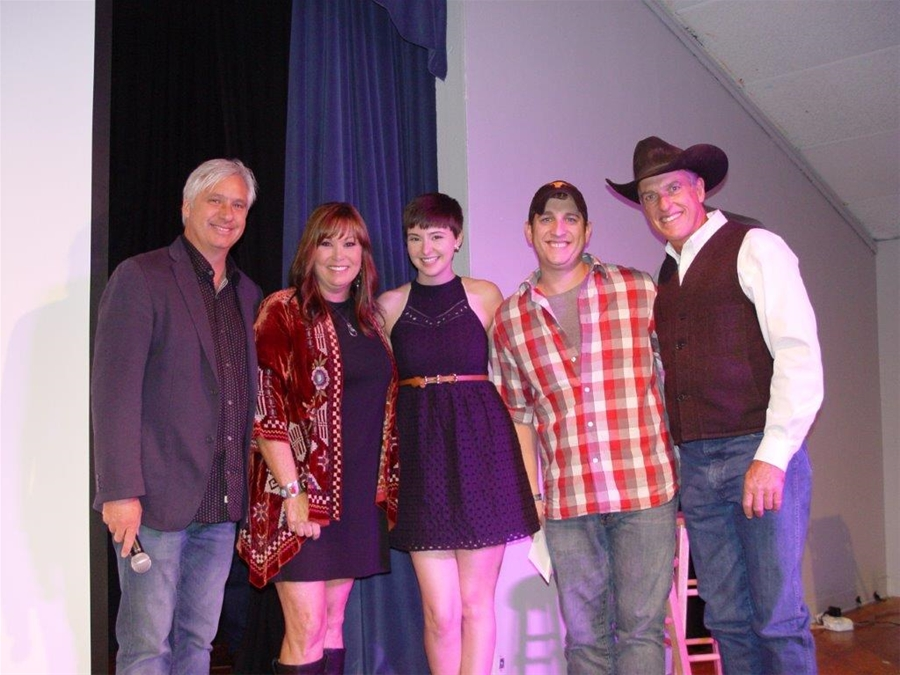 Crider Bogguss with Taylor Swantner and Wildman.jpg